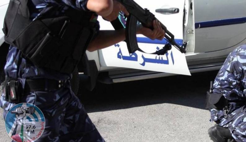 """الشرطة تقبض على شخص لقيامه بنشر الإشاعات عبر موقع التواصل الاجتماعي """" الفيس بوك"""" في جنين"""