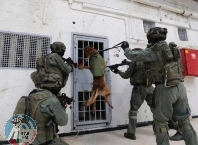 اقتحام قسم 10 في سجن بئر السبع