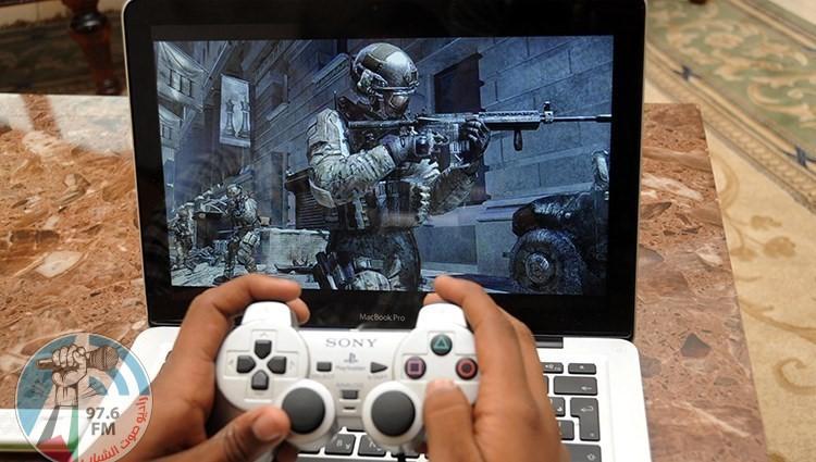 الألعاب الإلكترونية ت نمي في الاطفال العنف والعدوانية وت سهم في إهمال الدراسة الصحة والحياة غير مصنف اذاعة صوت الشباب الظاهرية فلسطين