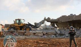 الاحتلال يهدم ثلاثة مساكن ويشرد 35 مواطنا في العوجا