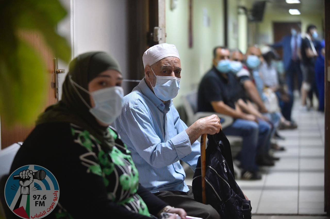 """3 وفيات و165 إصابة جديدة بفيروس """"كورونا"""" و453 حالة تعافٍ"""