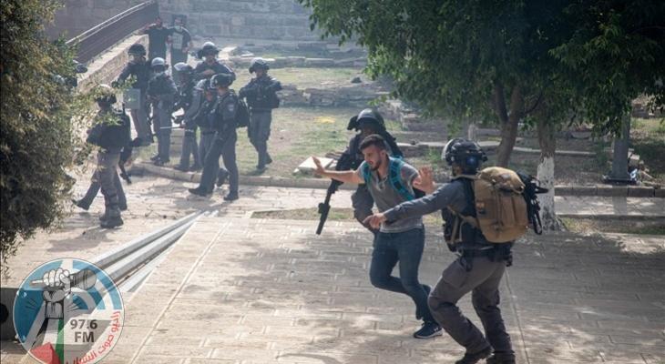 إصابتين برصاص الاحتلال في الأقصى خلال قمع وقفة منددة بالإساءة للرسول
