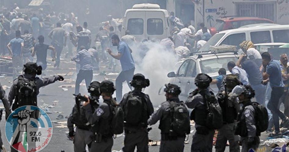 مواجهات مع قوات الاحتلال في مخيم العروب ودورا