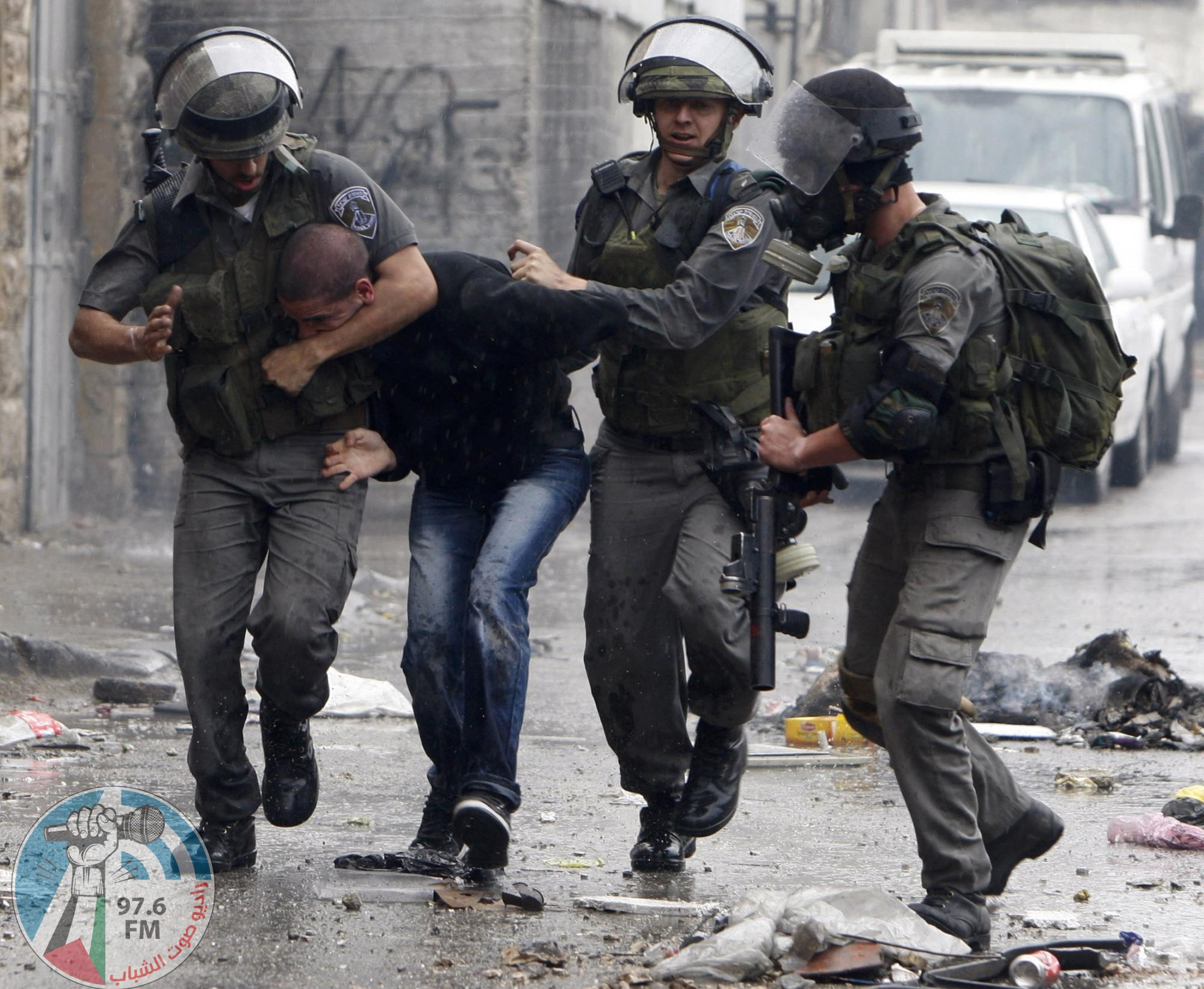 الاحتلال يعتقل شابا خلال مواجهات على المدخل الشمالي لبيت لحم