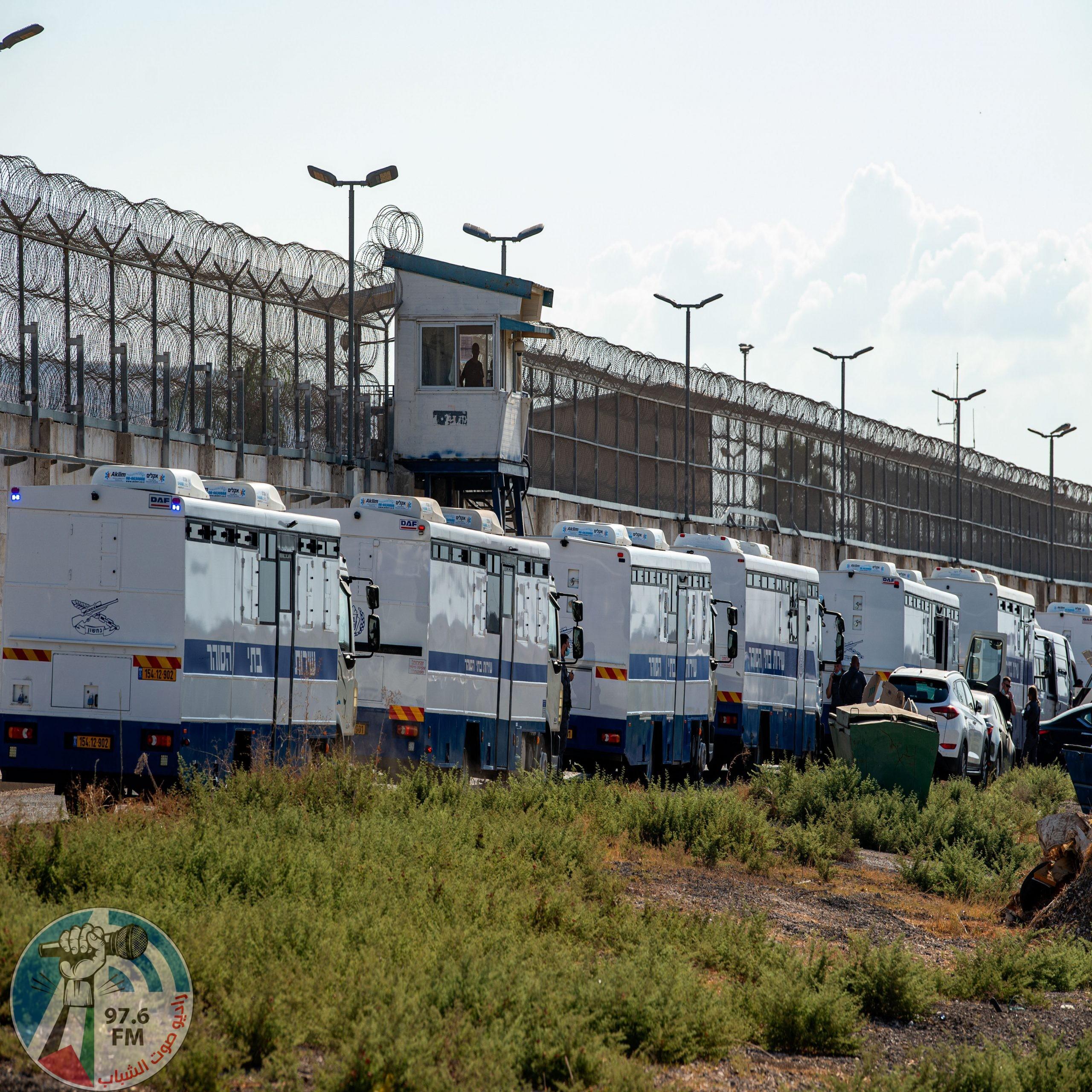 محكمة الاحتلال ترفض التماسا للسماح بزيارة الأسرى الأربعة المعاد اعتقالهم