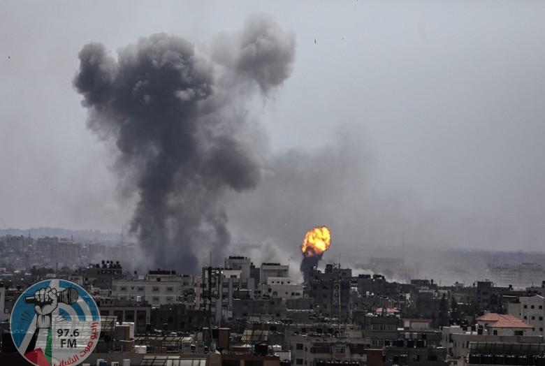 الطيران الحربي الإسرائيلي يقصف موقعين وأرض زراعية في قطاع غزة