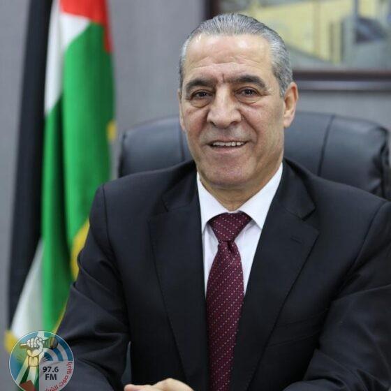 حسين الشيخ : سيتم اليوم الاعلان عن ٤ الاف اسم تم منحهم حق المواطنه